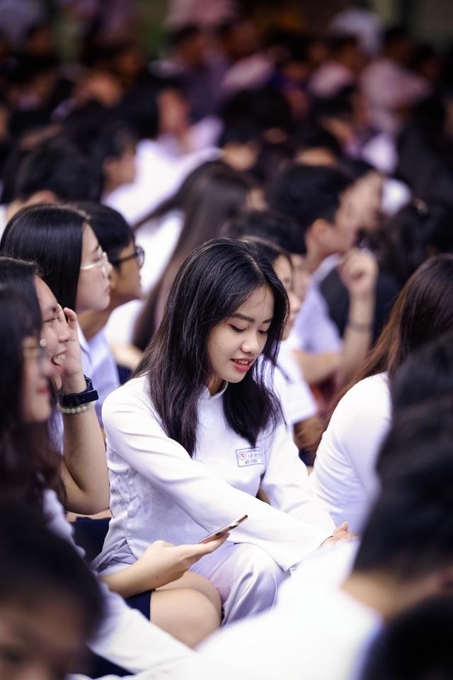 Nữ sinh ngôi trường già nhất Sài Gòn rạng rỡ trong ngày khai giảng - 3