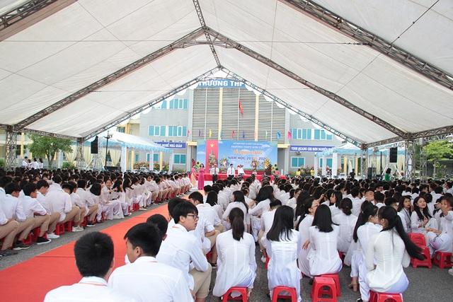 Thủ tướng Nguyễn Xuân Phúc: Dạy chữ đã quan trọng, dạy đức càng quan trọng hơn - 9