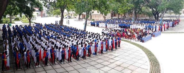Học trò cả nước náo nức khai giảng năm học mới - 46
