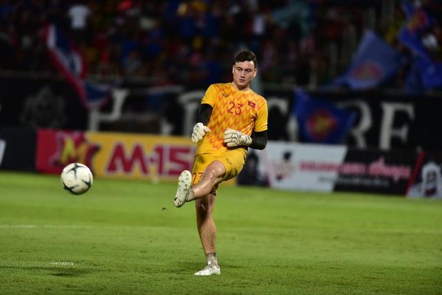 Thái Lan 0-0 Việt Nam: Bất phân thắng bại - 17