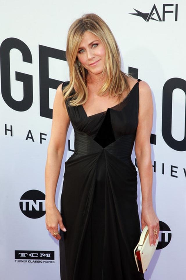 Jennifer Aniston: Tôi không muốn có tóc bạc - 9