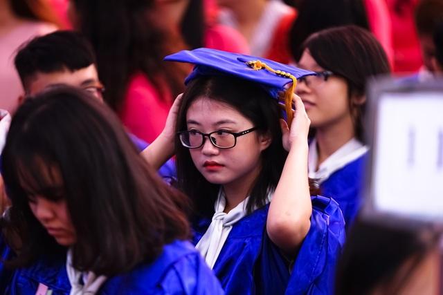 Nữ sinh ngôi trường già nhất Sài Gòn rạng rỡ trong ngày khai giảng - 9