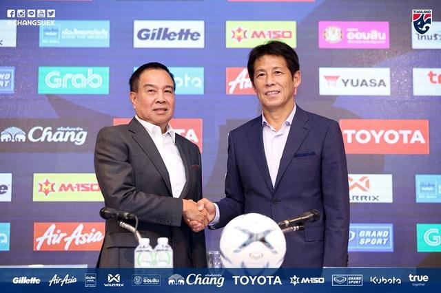 """HLV Akira Nishino được trao """"quyền lực tối thượng"""" ở đội tuyển Thái Lan - 1"""