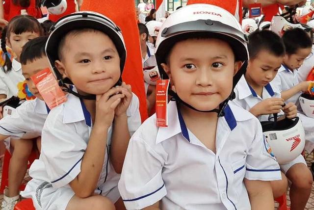 """""""Giữ trọn ước mơ"""" cho gần 2 triệu học sinh lớp 1 - 7"""