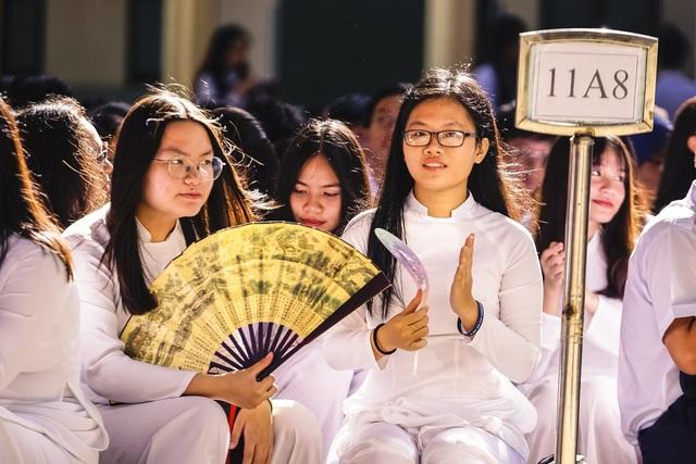 Nữ sinh ngôi trường già nhất Sài Gòn rạng rỡ trong ngày khai giảng - 13