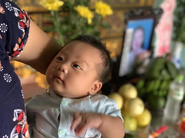 Con dâu tử vong trong vụ thảm án tại Hà Nội: Bé hơn tháng tuổi khóc ngất khát sữa! - 2