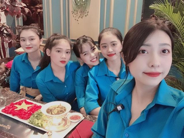 Độc đáo tô mì Quảng hình cờ đỏ sao vàng cổ vũ đội tuyển Việt Nam - 3