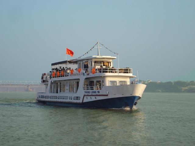 Đến Hà Nội, đừng quên trải nghiệm du lịch sông Hồng - 2
