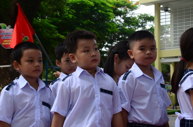 Học trò cả nước náo nức khai giảng năm học mới - 55