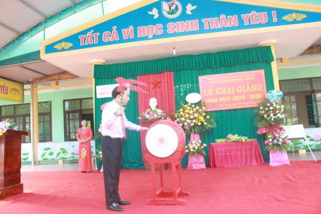 Thái Nguyên: Bí thư Tỉnh ủy đánh trống khai trường ở nơi cao, xa nhất tỉnh - 1
