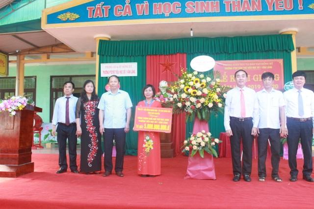Thái Nguyên: Bí thư Tỉnh ủy đánh trống khai trường ở nơi cao, xa nhất tỉnh - 2