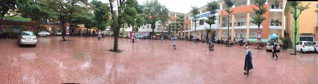 Không khí khai giảng khắp xứ Nghệ: Miền xuôi mưa, biên giới nắng ráo - 4