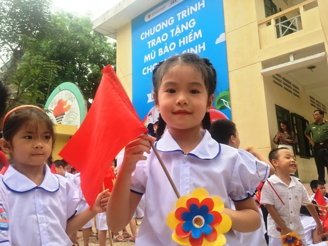 """""""Giữ trọn ước mơ"""" cho gần 2 triệu học sinh lớp 1 - 4"""