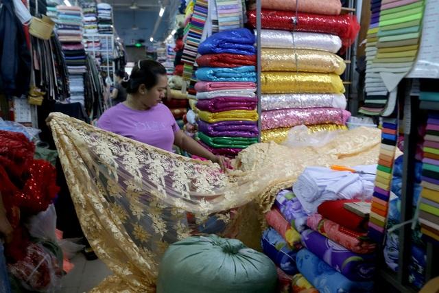 Ghé thăm con đường tơ lụa lâu đời nhất Sài Gòn - 11