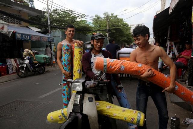 Ghé thăm con đường tơ lụa lâu đời nhất Sài Gòn - 10