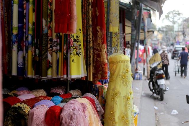 Ghé thăm con đường tơ lụa lâu đời nhất Sài Gòn - 6