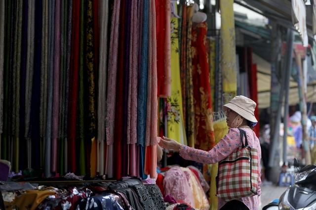Ghé thăm con đường tơ lụa lâu đời nhất Sài Gòn - 4