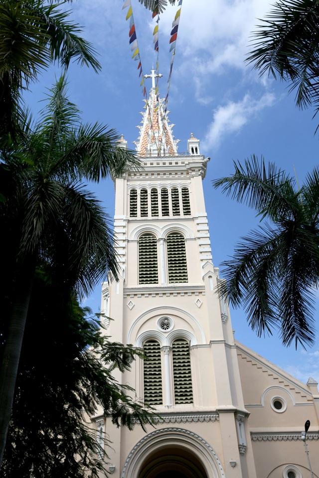 Nhà thờ Huyện Sĩ.jpg