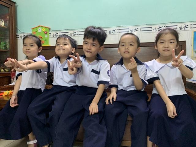 Những đứa trẻ ca sinh 5 đầu tiên ở Việt Nam trong lễ khai giảng vào lớp 1 - 2