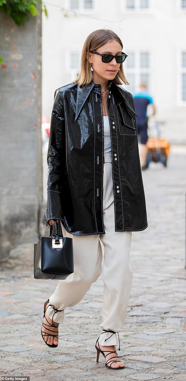 Kylie Jenner, Emily Ratajkowski đang lăng xê xu hướng thời trang gì? - 4