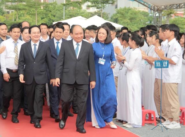 Thủ tướng Nguyễn Xuân Phúc: Dạy chữ đã quan trọng, dạy đức càng quan trọng hơn - 1