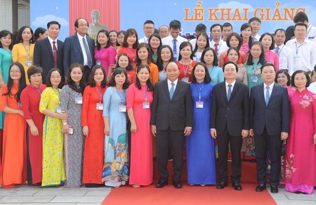 Thủ tướng Nguyễn Xuân Phúc: Dạy chữ đã quan trọng, dạy đức càng quan trọng hơn - 5