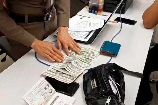 Nhặt túi chứa đầy tiền của người khác, khách Trung Quốc đối diện án phạt 5 năm tù - 2