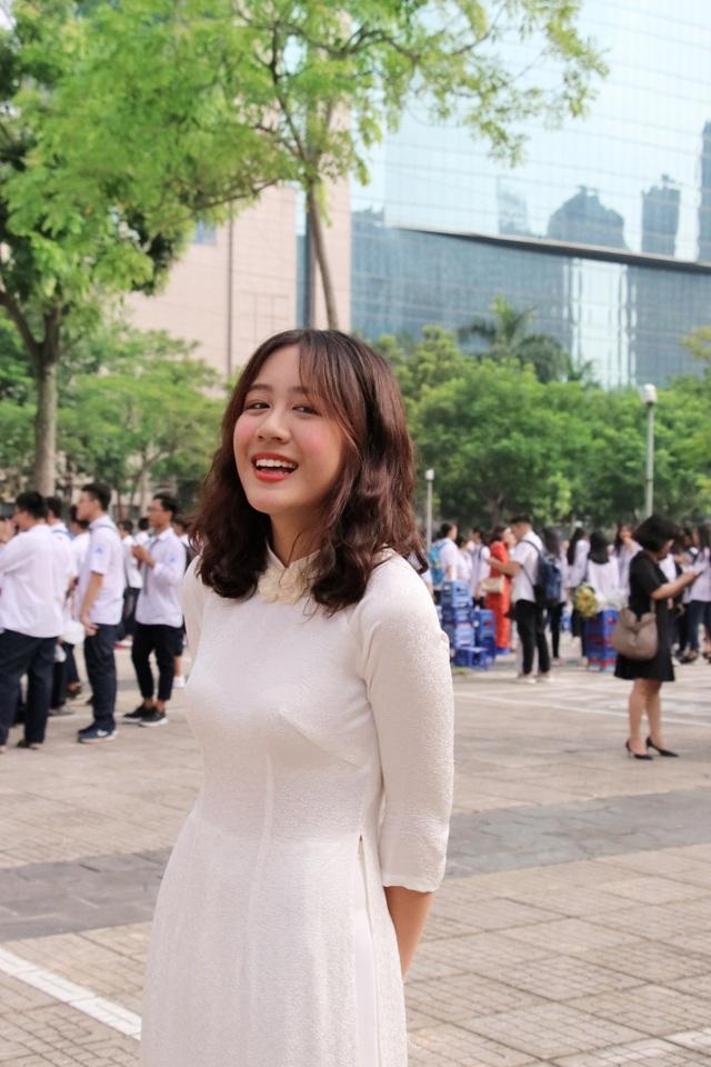 Nữ sinh Hà thành trong tà áo dài trắng gây thương nhớ ngày khai giảng - 10