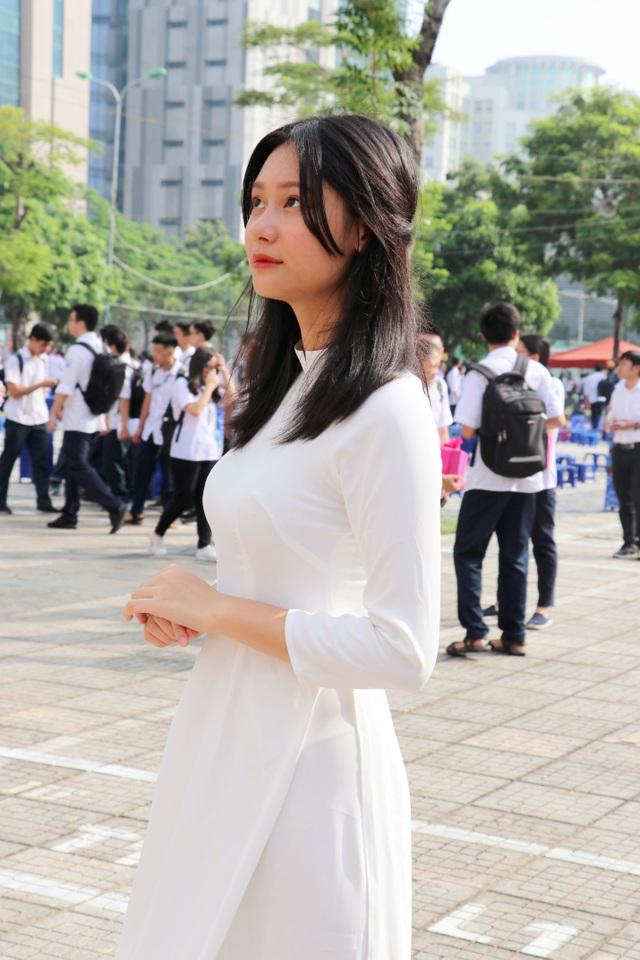 Nữ sinh Hà thành trong tà áo dài trắng gây thương nhớ ngày khai giảng - 14