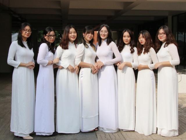 Nữ sinh Hà thành trong tà áo dài trắng gây thương nhớ ngày khai giảng - 16