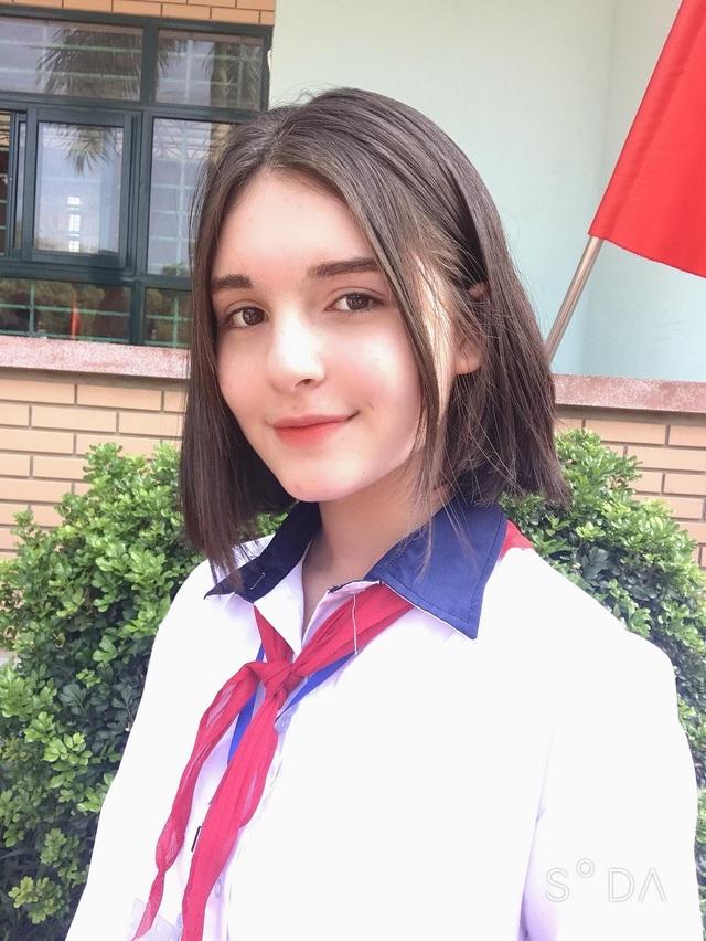 Bông hồng lai Việt - Nga xinh đẹp, hút hồn dân mạng  - 1