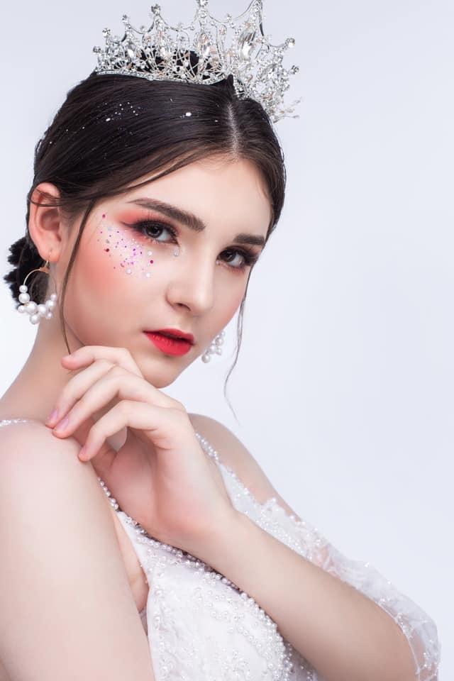 Bông hồng lai Việt - Nga xinh đẹp, hút hồn dân mạng  - 8