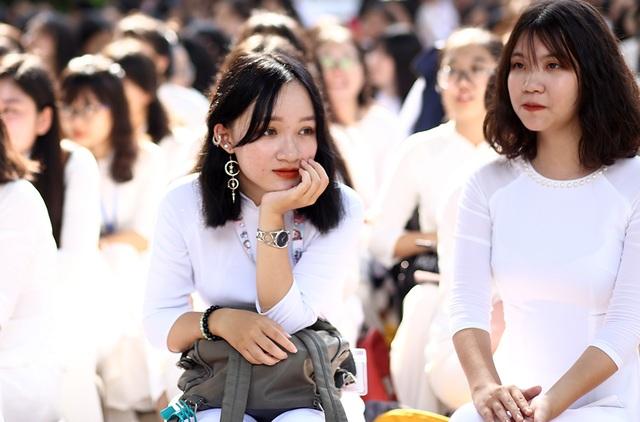 Nữ sinh Hà thành trong tà áo dài trắng gây thương nhớ ngày khai giảng - 9