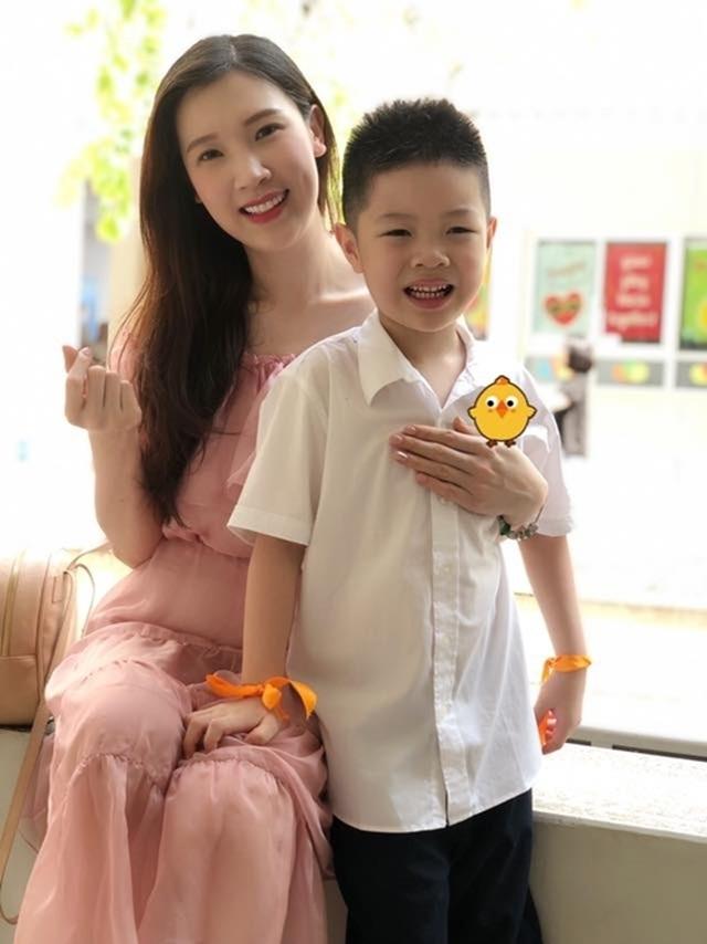 Sao Việt đưa con đến trường ngày khai giảng - 5