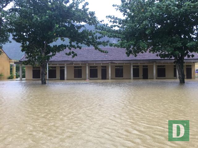 Quảng Bình: Tổ chức khai giảng cho gần 90 ngàn học sinh vùng ảnh hưởng mưa lũ - 4