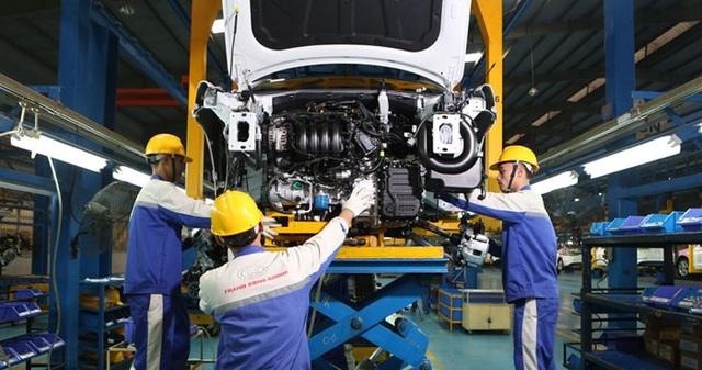 Ưu đãi lớn, ô tô Việt vẫn chật vật giảm giá thành - 1