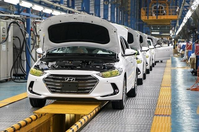 Ưu đãi lớn, ô tô Việt vẫn chật vật giảm giá thành - 2