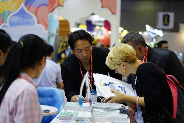 """Bấm huyệt, xoa bóp gây """"sốt"""" tại  hội chợ Du lịch Quốc tế TPHCM - 11"""