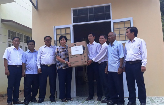 """Bình Định: Bàn giao bếp ăn do bạn đọc Dân trí xây tặng thầy cô giáo """"gieo chữ"""" ở vùng cao - 3"""