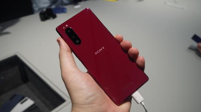 Nhìn lại những smartphone đáng chú ý được ra mắt tại IFA 2019 - 4