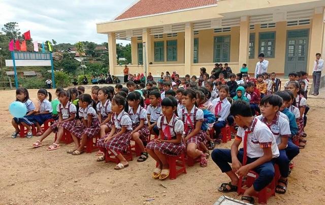 """Bình Định: Bàn giao bếp ăn do bạn đọc Dân trí xây tặng thầy cô giáo """"gieo chữ"""" ở vùng cao - 6"""