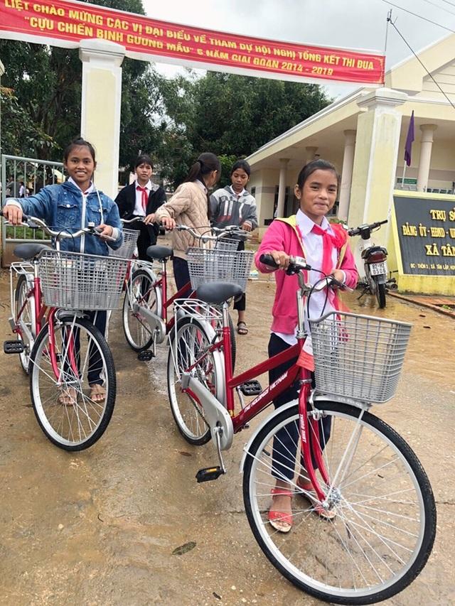 Tập đoàn TNG Holdings Vietnam trao tặng 110 xe đạp cho học sinh nghèo tại Gia Lai, Kon Tum - 3