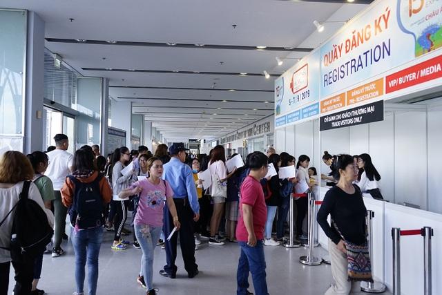 """Bấm huyệt, xoa bóp gây """"sốt"""" tại  hội chợ Du lịch Quốc tế TPHCM - 6"""