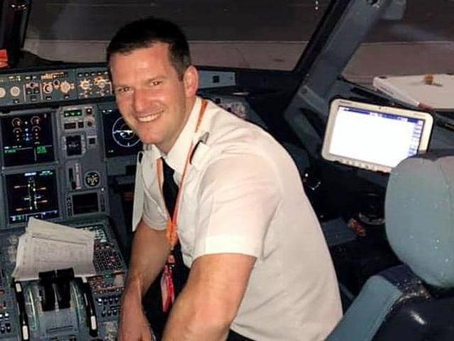Phi công không tới, hãng hàng không Anh nhờ hành khách lên lái máy bay - 1