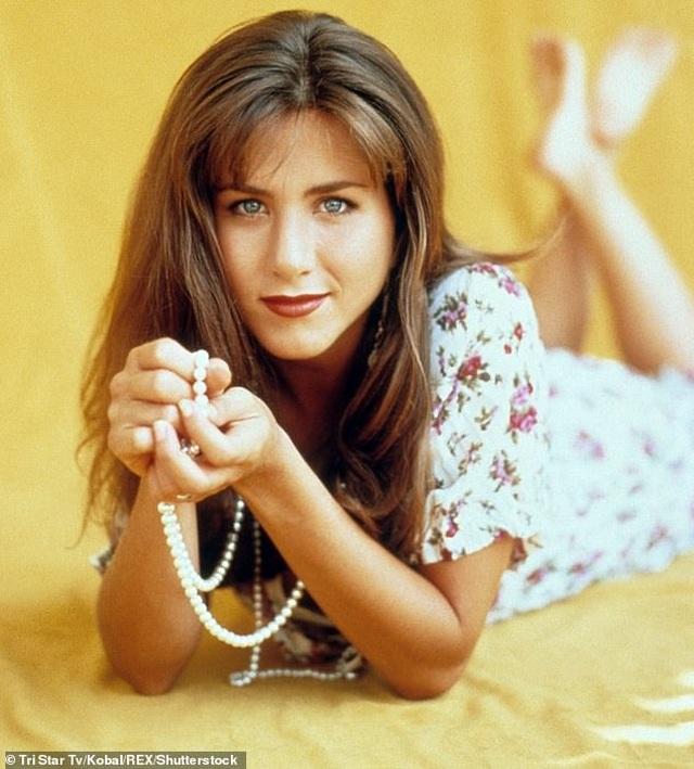 """""""Vợ cũ Brad Pitt"""" - Jennifer Aniston: Trẻ đẹp ở tuổi 50, tự tin """"độc thân vui vẻ"""" - Ảnh minh hoạ 6"""