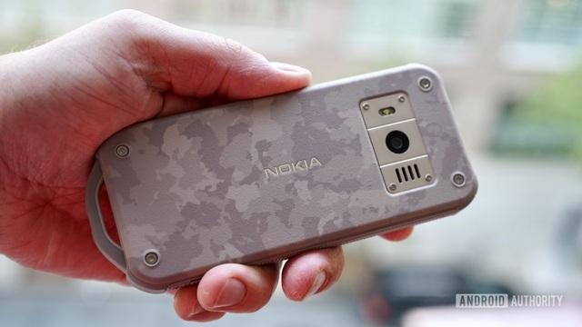 Cận cảnh chiếc điện thoại nồi đồng cối đá vừa ra mắt của Nokia, giá gần 3 triệu đồng - 4