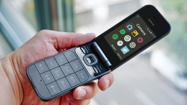 Cận cảnh chiếc điện thoại nồi đồng cối đá vừa ra mắt của Nokia, giá gần 3 triệu đồng - 8