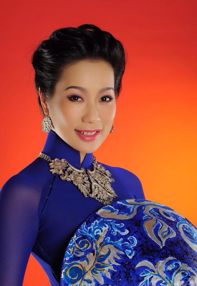 """Á hậu Trịnh Kim Chi: """"Vợ chồng tôi không muốn con gái làm diễn viên"""" - 1"""