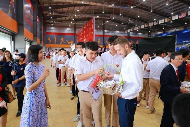 Gần 15.000 học sinh hệ thống giáo dục Nguyễn Hoàng cùng đón năm học mới 2019-2020 - 6