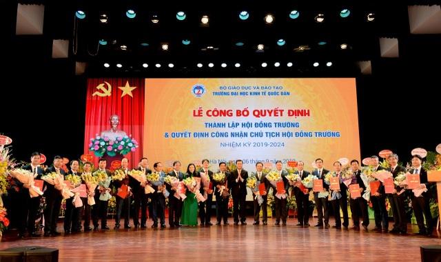 Bộ GDĐT công nhận Chủ tịch Hội đồng Trường - trường ĐH Kinh tế quốc dân - 1